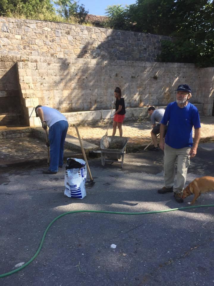 Με πρωτοβουλία του Φιλοτεχνικού Συλλόγου καθαρίστηκε το χωριό (pics)